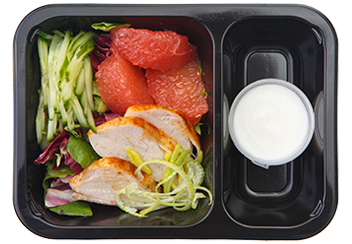 Овощной салат с грейпфрутом, цыпленком и  средиземноморской заправкой